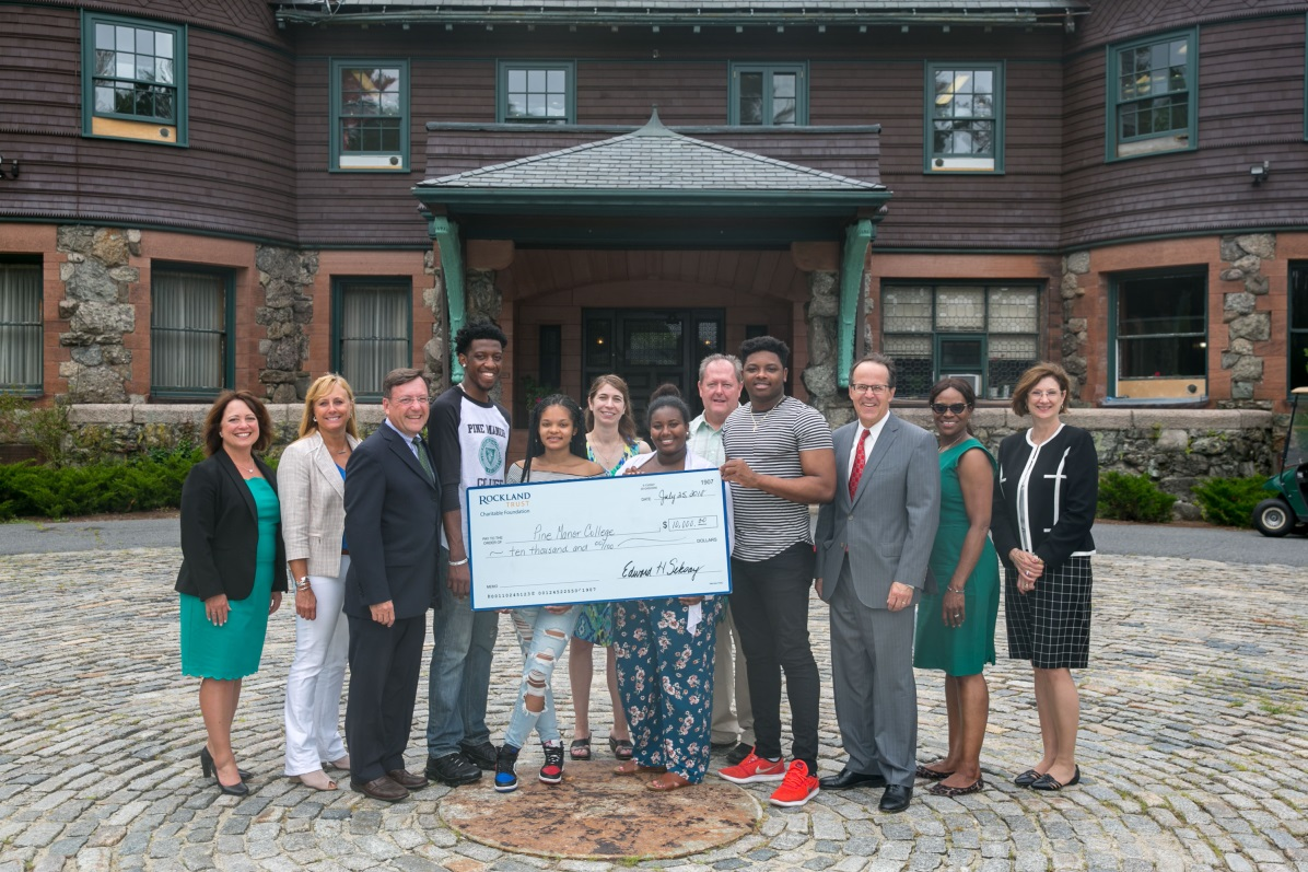 The Rockland Trust Charitable Foundation Donates $10,000 to Pine Manor College